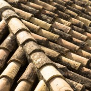 clay-roof-2533393_1920